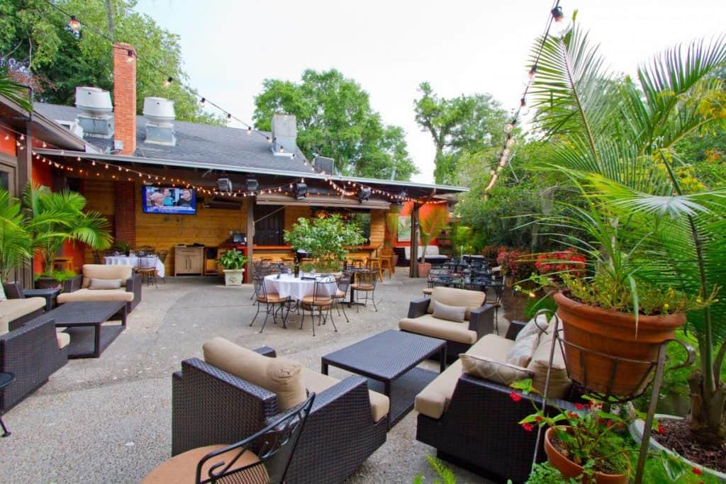 Franks Restaurant Courtyard Pawleys Island SC