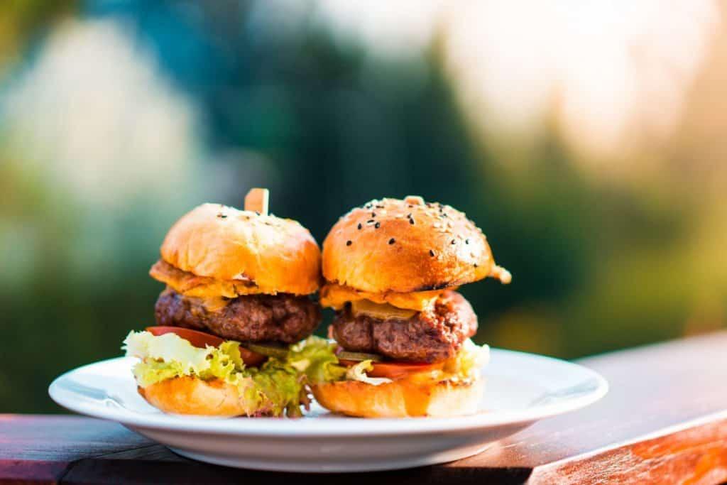 Coastal Carolina Guide Kid-Friendly Vacation Meal Ideas Mini Cheeseburgers