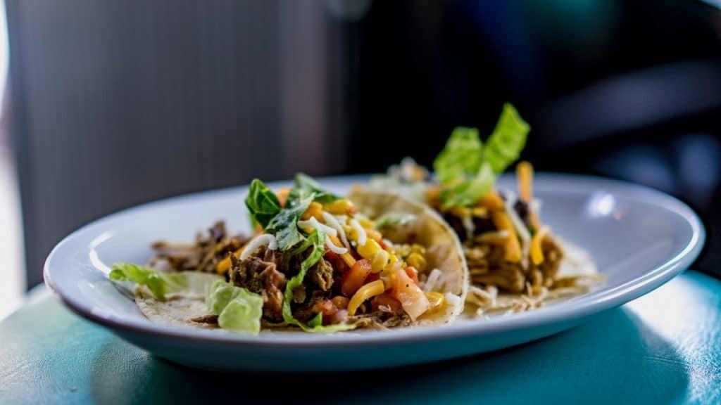 Coastal Carolina Guide Kid-Friendly Vacation Meal Ideas Ground Beef Tacos on a Plate